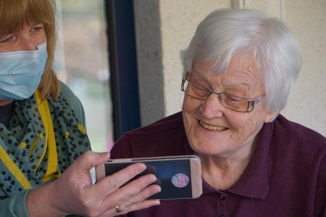 Aide à la personne - Assistance aux personnes âgées